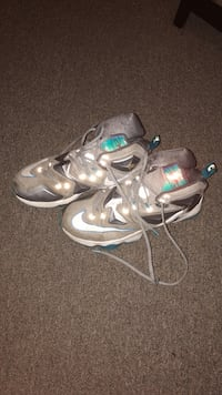 pair of gray Nike basketball shoes Des Moines, 50314