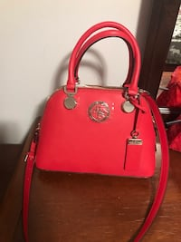 Guess purse London, N6C 5A8