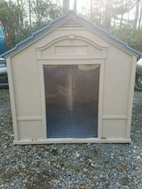 Large Dog House w/Self Warming Mat Harpers Ferry, 25425
