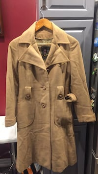 Women's coat size Small Aurora, L4G 0E7