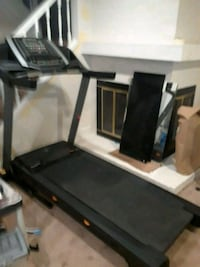 6.5 nordictrak treadmill. 1 year old. Never used. Gaithersburg, 20886