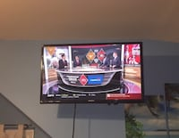 "32"" Vizio TV with Remote control & Tv stand Arlington, 22205"