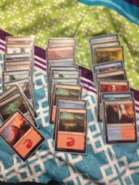 Magic cards got 75 got 30 more gold ones to diamond cards Brantford, N3S 3T3