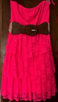 New Pink Rue LaRue Strapless Dress, Size M (includes belt) Copiague, 11726