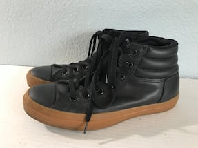Converse Hightops Size 7