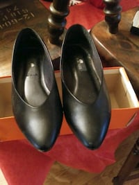 pair of black leather flats Amarillo, 79103