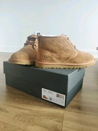 Authentic UGG FOR MEN SIZE 9 NEWW