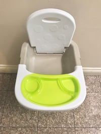 Deluxe booster seat  Richmond, V6X 3G6