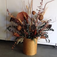 Dry Floral Arrangement with Container SANJOSE