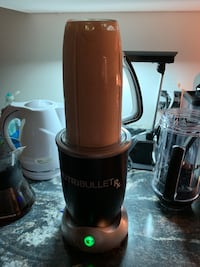 Nutribullet RX Model. Does hot soup. Used one time. $220 usd it costs. I've decided to get a Full blendtech blender. This will save me return shipping hassle.  Vaughan, L4L 2L6