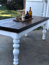 Rare chestnut and heart pine farmhouse table  Centreville, 20120