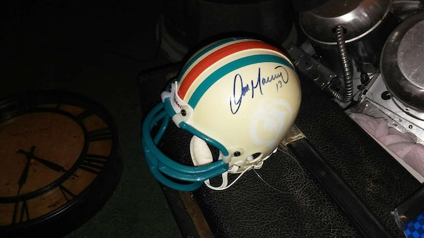 the latest a0dff 26a08 Dan Marino Signed Helmet