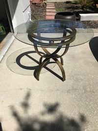 Coffee table / accent table Saint Petersburg, 33702
