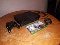 XBOX ONE console - 2 controllers and 2 games Edmonton, T5Y 2M8