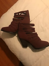 pair of brown leather heeled boots Mesquite, 75149