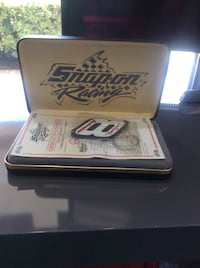Dale Earnhardt Collectible Set Gainesville, 32608