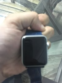 Series 1 Apple Watch hardly used 9/10 condition comes with charger Mississauga, L5B 0J6