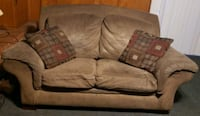 Loveseat and 2 Pillows.