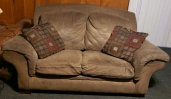 Loveseat and 2 Pillows