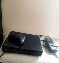 Xbox one with controller Medford, 02155
