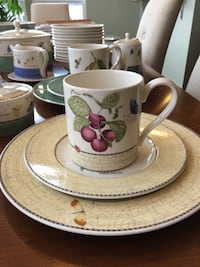 Sarah's Garden everyday china by Wedgewood Frederick, 21702