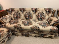 Living room set like new. Excellent condition Calgary, T2W 6C3