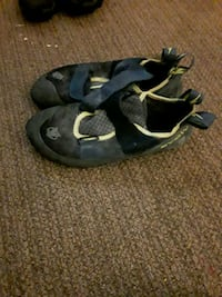 black-and-gray leather sandals Portland, 97209