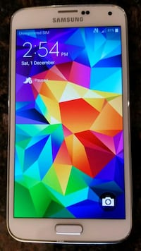 Samsung S5 (unlocked) +6 cases +5 screen protector Kitchener, N2A 2N4