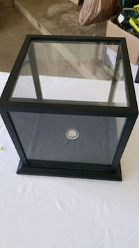 Glas display for basketball or so with mirror Grosse Ile Township, 48138
