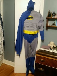 Batman muscle chest Halloween costume - Adult size large Niagara Falls, L2E 6V5
