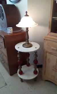 white and red table lamp Longueuil, J4H 2V3