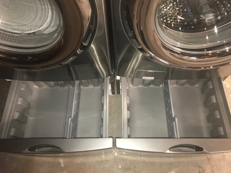 Samsung stackable stainless steel front load washer and electric 220v da27c7fb-fe17-4204-aac8-d94bc6310543