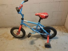 Kids bike. For 3-4 yrs  / Vélo enfant
