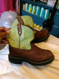 Kids Justin's boots size 13 1/2 San Angelo