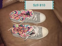 pair of white-and-pink low top sneakers Piqua, 45356