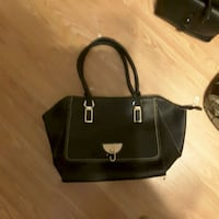 black leather 2-way handbag Burnaby, V3N 3G4