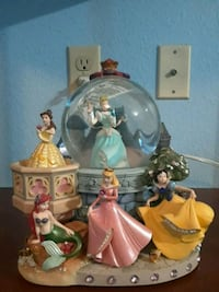 5 princess snow globe Colorado Springs, 80920