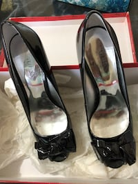 Guess shoes size 7 womens Toronto, M4Y 1P6