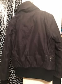Warm jacket no hood but in good condition  Toronto, M3C 1E8