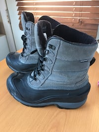 Women's North Face winter boots  Montreal, H1H 3X9