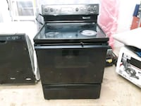 black and gray induction range oven Tacoma, 98444