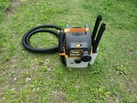 Rigid stor n go 5 gallon wet/dry vacuum and attachments