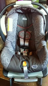 Chicco Keyfit 30 Infant Carseat with Base Council Bluffs, 51501