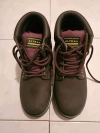 Safety shoes Toronto, M6H 2H6