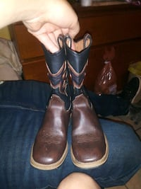 Boys boots  Midwest City, 73130