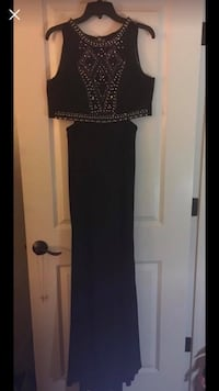 Black two piece formal dress size 9 Atwater, 95301