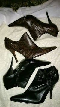 Two pair size 9 ankle boots brown and black 49 km