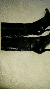 Bakers black leather pump boots size 7 1/2