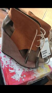 Pair of brown leather open-toe wedge sandals New Britain, 06051