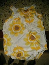 baby's white and yellow floral onesie Harlingen, 78550